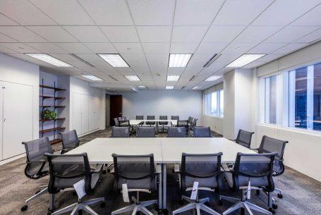 Office Space in San Juan – Interior Meeting Space